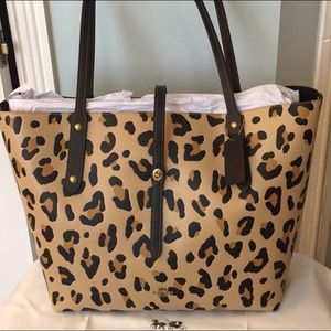COACH TOTE LEOPARD PRINT  NWT AUTHENTIC.